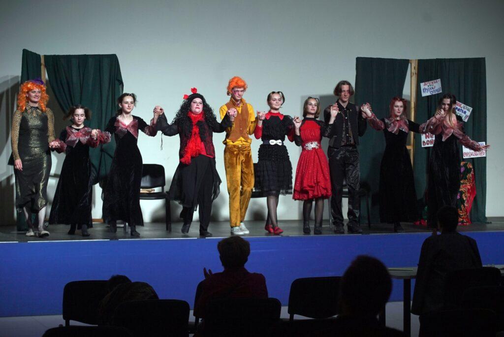 Актеры «Сказки» участники областного фестиваля